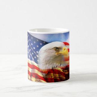 Amerikanische Flagge mit Weißkopfseeadler Kaffeetasse