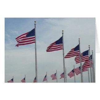 Amerikanische Flaggen am Washington-Monument Karte