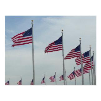 Amerikanische Flaggen am Washington-Monument Postkarte