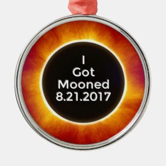 Amerikanische Sonnenfinsternis erhält Mooned am Silbernes Ornament