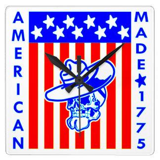 Amerikanischer gemachter Schädel-Flaggen-Soldat Quadratische Wanduhr