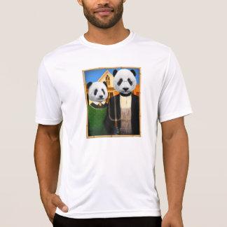 Amerikanischer gotischer Panda mit Bambusrahmen T-Shirt