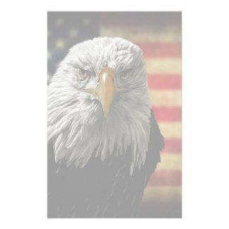 Amerikanischer Weißkopfseeadler auf Schmutz-Flagge Briefpapier