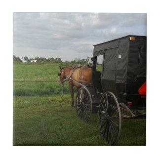 Amisches Pferd und Buggy am Sonnenuntergang Keramikfliese