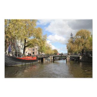 Amsterdam, Kanal, Brücke, Hausboot, Kirchen-Helm Fotodruck