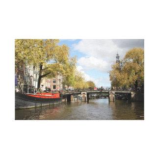 Amsterdam, Kanal, Brücke, Hausboot, Kirchen-Helm Leinwanddruck