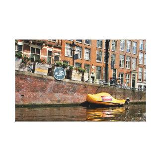 Amsterdam, Kanal, hölzernes Schuh-Boot Leinwanddruck
