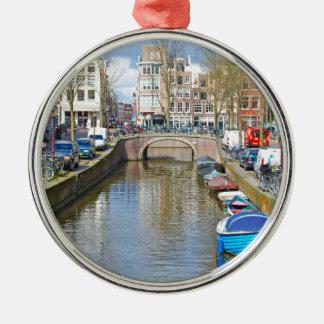 Amsterdam-Kanal mit Booten Silbernes Ornament