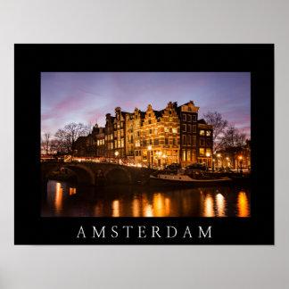 Amsterdam-Kanalhäuser am Dämmerungsschwarzplakat Poster