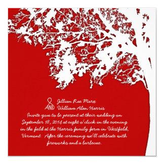Amusement rouge d'arbre d'automne de grange et carton d'invitation  13,33 cm
