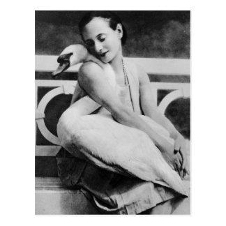 Anna Pavlova mit ihrem Haustierschwan Jack, c.1905 Postkarte
