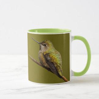Annas Kolibri auf Scharlachrot Trumpetvine Tasse