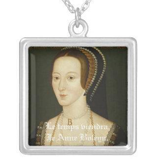 Anne Boleyn: Le Temps Viendra Halskette Mit Quadratischem Anhänger