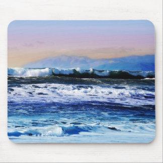Ansicht der Ozean-Wellen von der Klippe Mauspads