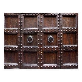Antike hölzerne Tür in Florenz Postkarten
