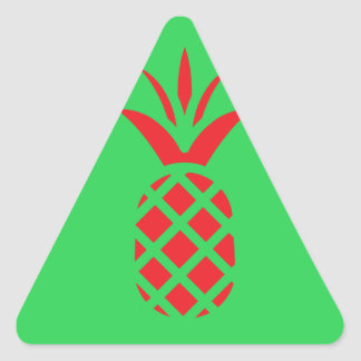 Apfel der roten Kiefer im Grün Dreieckiger Aufkleber