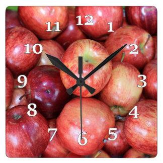 Äpfel Quadratische Wanduhr