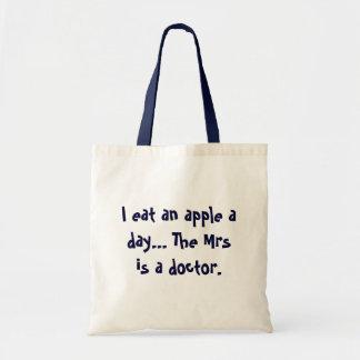 Apple eine Tagestasche - lustiger Witz für Männer Budget Stoffbeutel