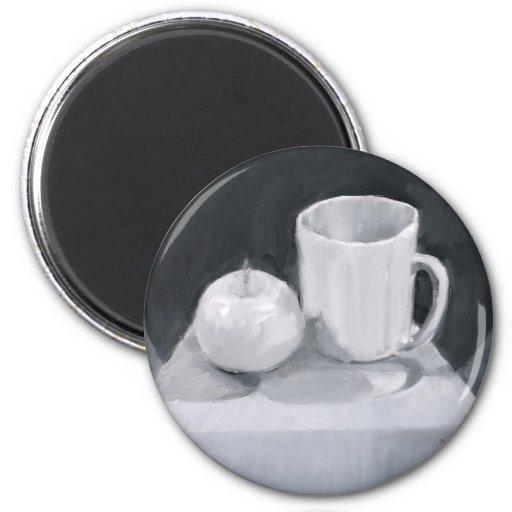 Apple et tasse en peinture de BW Aimants Pour Réfrigérateur
