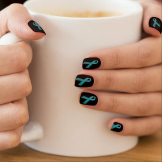 Aquamarine Bandnagelabdeckungen (einige Minx Nagelkunst