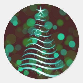 Aquamariner Band-Weihnachtsbaum am Feiertag Bokeh Runder Aufkleber