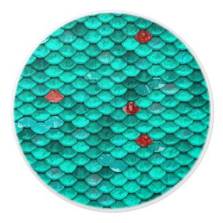 Aquamarines Schimmer-und Rubin-Fisch-Skala-Muster Keramikknauf