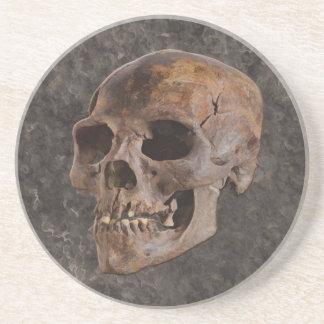 Archäologie II - Schädel auf Stein-Effekt Getränkeuntersetzer