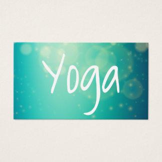 Arrière - plan vert moderne de manuscrit de yoga cartes de visite