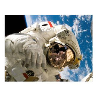 Astronaut in der Raum-Foto-Raum-Shuttle-Entdeckung Postkarte