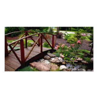 Au-dessus du pont de jardin photocartes
