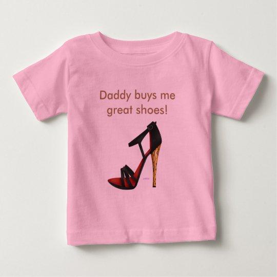 Auf den Fersen gefolgter Baby T-shirt