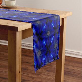 Auffällige blaue Fliesen Kurzer Tischläufer