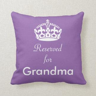 Aufgehoben für Großmutter-(oder irgendein Name) Kissen