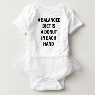 Ausgewogene Diät Baby Strampler