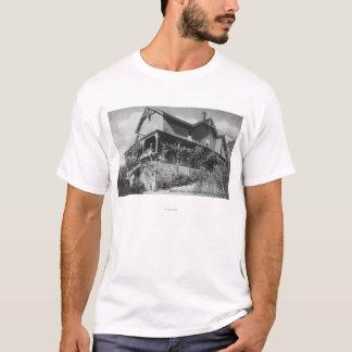 Außenansicht der Hotel-Schlucht Orchy T-Shirt