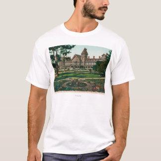 Außenansicht des Hotels Del Monte und des Bodens T-Shirt