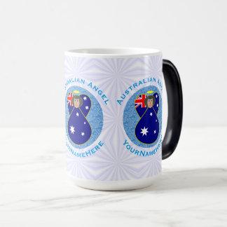 Australischer Engel auf weißem und blauem Squiggly Verwandlungstasse