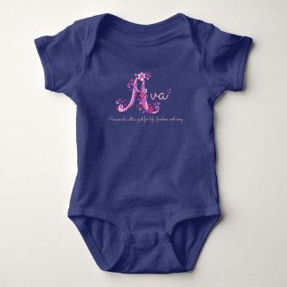 Ava Mädchen Name u. Babykleid des Baby Strampler