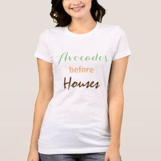 Avocados vor Häusern T-Shirt