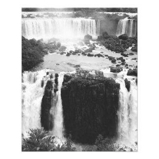 B&W die Iguaçu-Wasserfälle Flyer