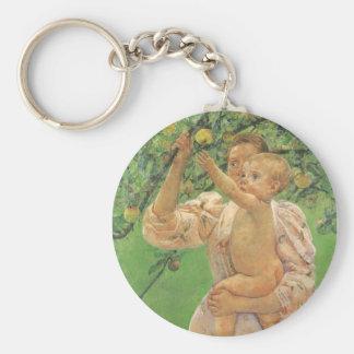 Baby, das für Apple durch Mary Cassatt erreicht Schlüsselanhänger