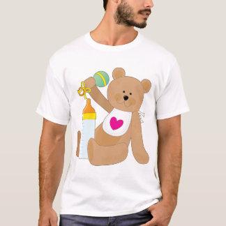 Baby-Flasche und Schellfisch T-Shirt