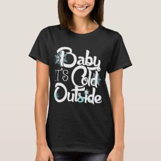 Baby ist es kalte Außenseiten-modischer Feiertag T-Shirt