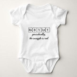 BABY LUV: der Snuggle ist wirklich Baby Strampler