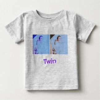 Baby shower de jumeaux t shirts