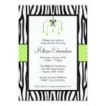 Baby shower vert et noir de mobile de coeur de carton d'invitation  12,7 cm x 17,78 cm