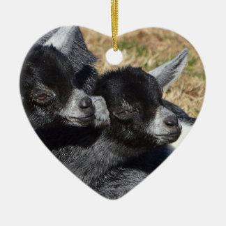 Baby-Ziegen-Herz-geformter Valentinstag Keramik Ornament
