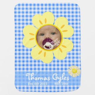 Babydecke des blauen Ginghams der Sonnenblume