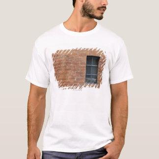 Backsteinmauer mit einem typischen Muster. Die T-Shirt