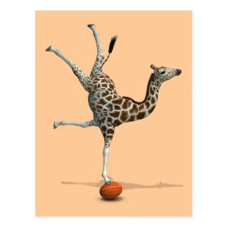 Balancierende Giraffe Postkarte